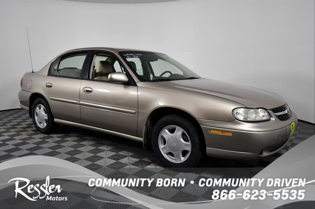 Pre-Owned 2000 Chevrolet Malibu LS