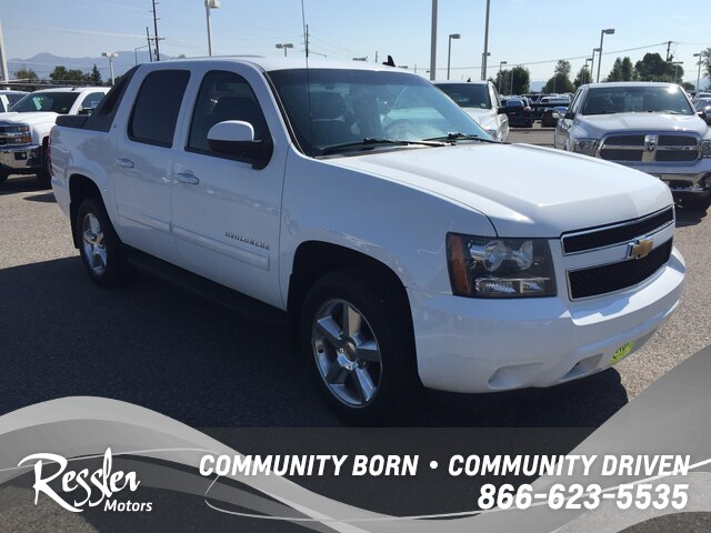 Pre Owned 2017 Chevrolet Avalanche 1500 Lt1