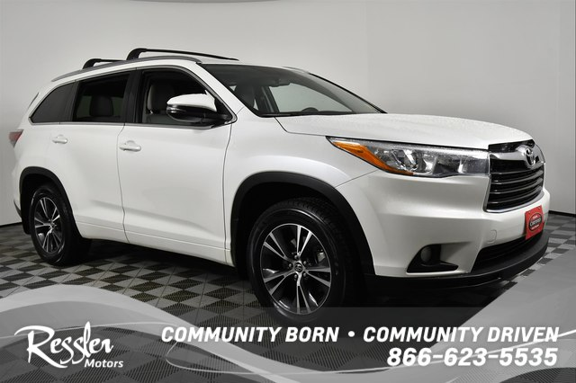 Certified Pre Owned 2016 Toyota Highlander Xle V6